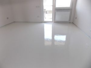 Resina bianco - Pavimenti in resina a Milano e provincia